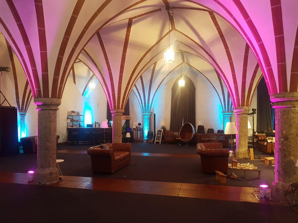Alter Saal mit Bögen für den Knotentanz Workshop in Salzburg
