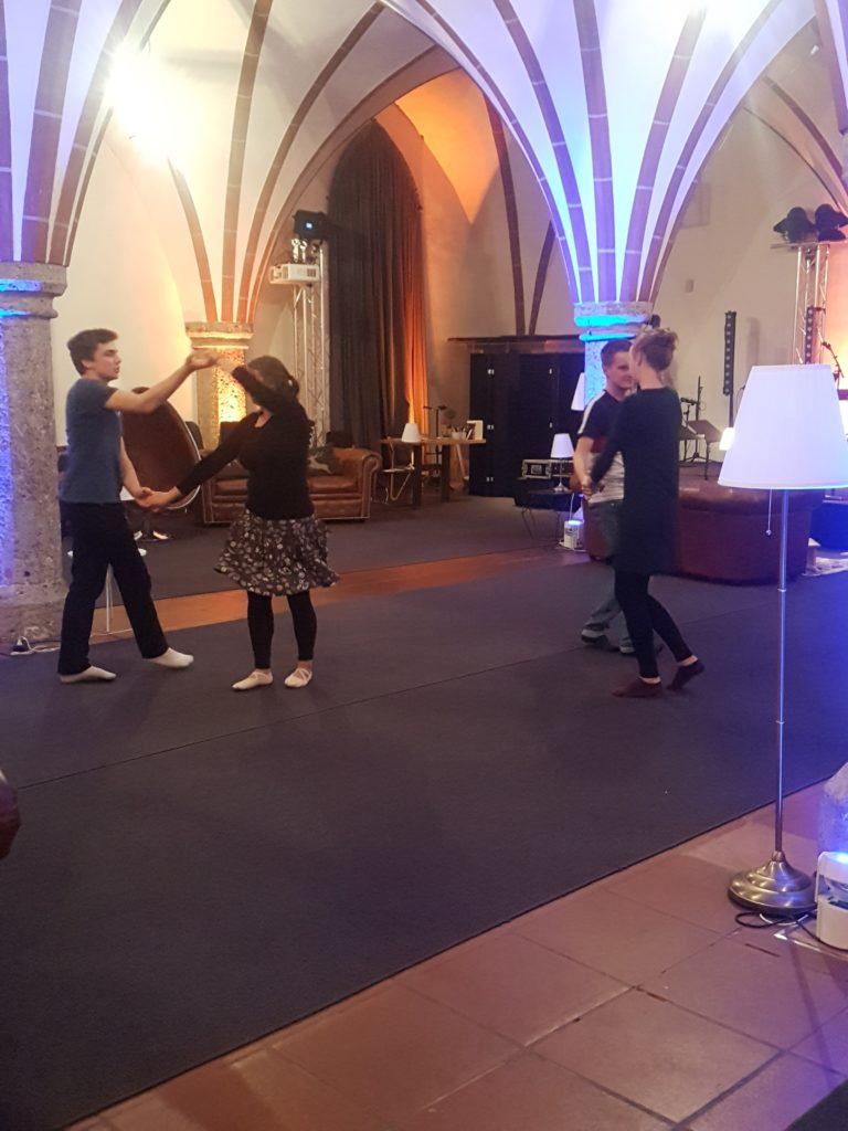 Knotentanz Kurs Friesenrock Workshop in Salzburg